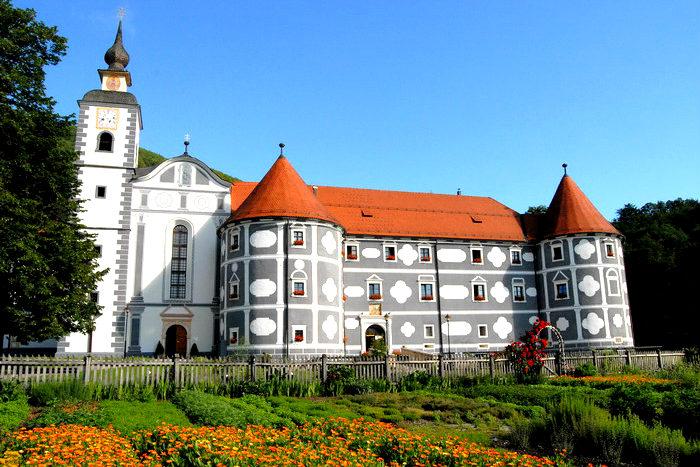 05-viaggio-di-gruppo-in-bus-da-bari-ferragosto-in-slovenia-hotel-sava-4-stelle-olimje