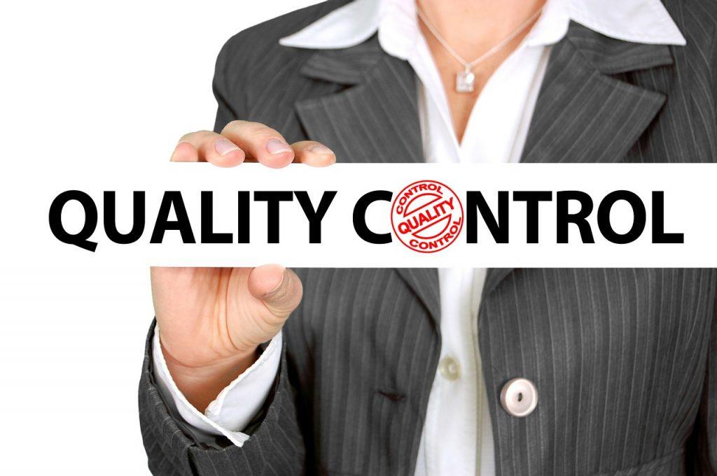 Controllo qualità accompagnatore