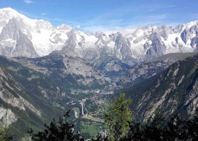 Courmayeur e il massiccio del Monte Bianco